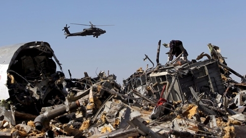 Xác máy bay Nga rơi trên bán đảo SInai. (Ảnh: Reuters)