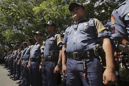 Cảnh sát Philippines tăng cường siết chặt an ninh. (Ảnh: AP)