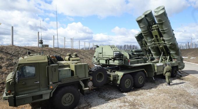 Nga triển khai hệ thống tên lửa S-400 tới Syria. (Ảnh: Sputnick)