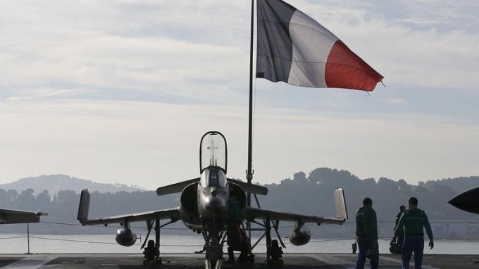 Pháp lần đầu triển khai tên lửa hành trình tấn công IS. (Ảnh:Reuters)