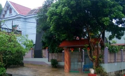 Căn nhà hộ bà Khuề bị tố xây trên đất được cấp giấy chứng nhận quyền sử dụng đất có nhiều khuất tất.