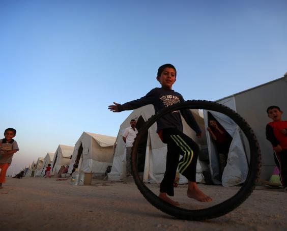 IS bắt cóc 600 trẻ nhỏ huấn luyện thành phiến quân đánh bom liều chết