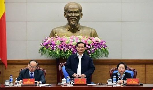 Thủ tướng Chính phủ phát biểu tại phiên họp.