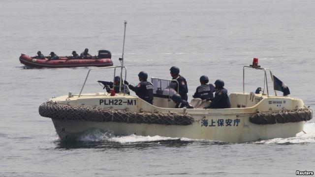 Binh sĩ Nhật Bản, Philippines trong một cuộc tập trận tháng 5/2015 (Ảnh: Reuters).