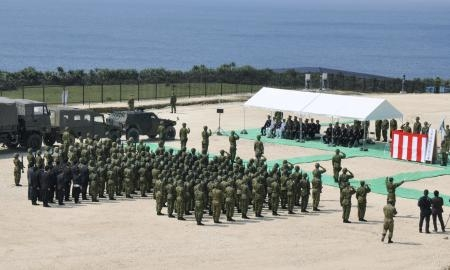 Quân đội Nhật Bản tạiđảo Yonaguni. (Ảnh: Reutres)