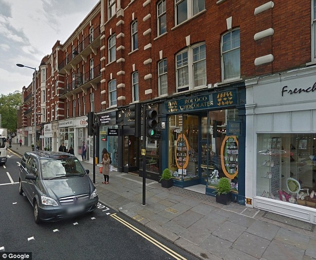Phía ngoài căn hộ trị giá 1,5 triệu Euro của Kojo Annatrên đường The King,  Chelsea, London.