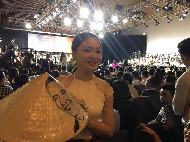 Diễn viên Lan Phương cũng tham dự hội nghị. (Ảnh: Dân trí)