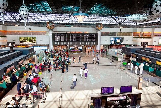 Các chuyến bay tại sân bay quốc tế Đào Viên, Đài Loan, đang bị ảnh hưởng nghiêm trọng do tình hình thời tiết xấu.