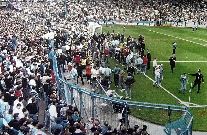 Quang cảnh sân vận động Hillsborough vào thời điểm định mệnh.
