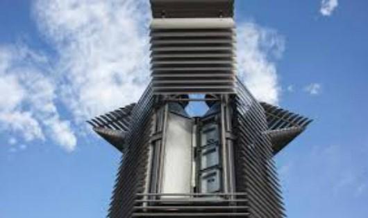 """Trung Quốc lắp đặt """"tháp ăn khói bụi"""" để xử lý ô nhiễm môi trường."""
