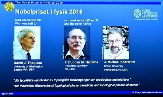 Các nhà khoa học giành Nobel vật lý. (Ảnh: AFP)
