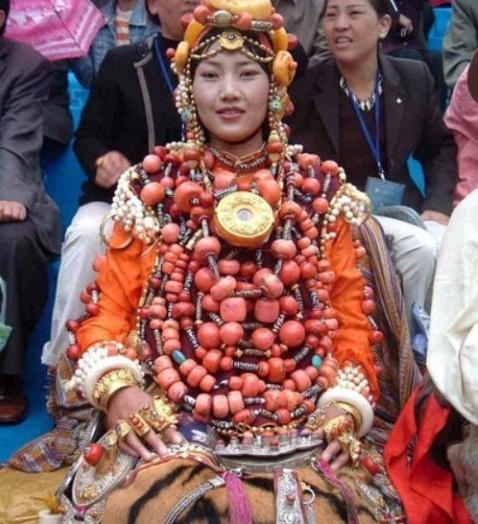 Cô dâu trong ngày cưới của người Tây Tạng.