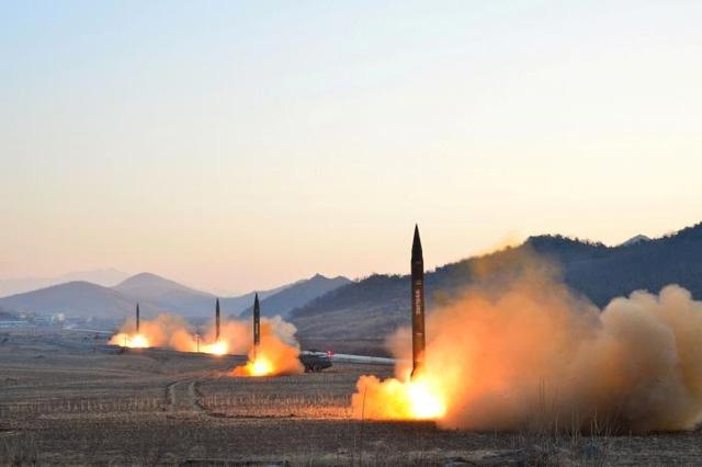 Một vụ thử nghiệm tên lửa của Triều Tiên hồi tháng 3 (Ảnh: Reuters)