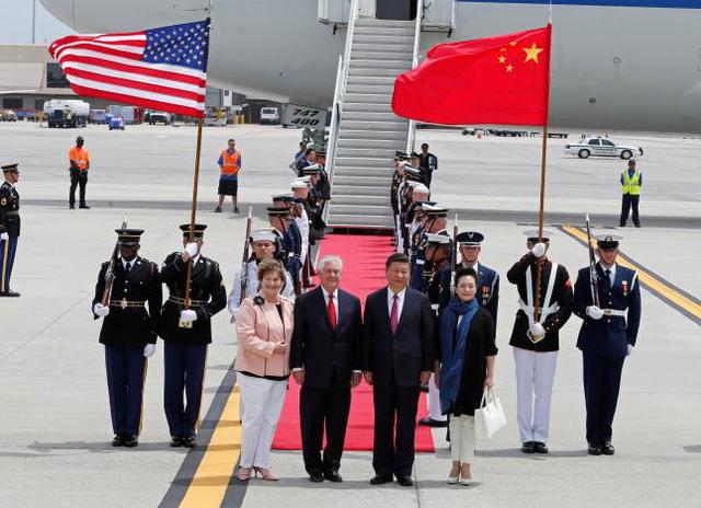 Chủ tịch Trung Quốc Tập Cận Bình được tiếp đón bằng các nghi thức quân đội trang trọng. (Ảnh: Reuters)