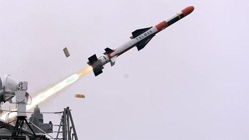Hàn Quốc giới thiệu tên lửa hành trình tấn công mới