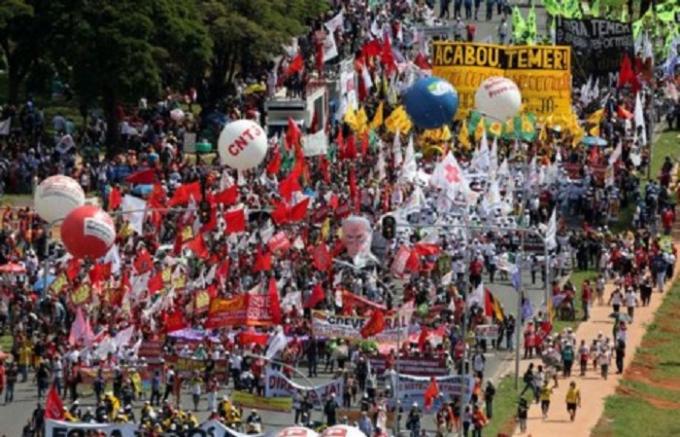 Cuộc biểu tình xảy ra vào ngày 24/5 nhằm yêu cầu Tổng thống Brazil Michel Temer từ chức quanh bê bối dính líu tới tham nhũng.