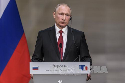 Tổng thống Nga Vladimir Putin tại cuộc họp báo ở Versailles nhân chuyến thăm Pháp ngày 29/5. Ảnh: EPA/TTXVN