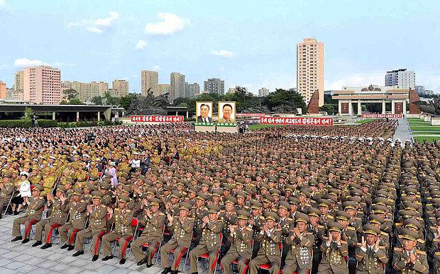 Quân đội Triều Tiên trong một hoạt động kỷ niệm (Ảnh: Thatsmags)