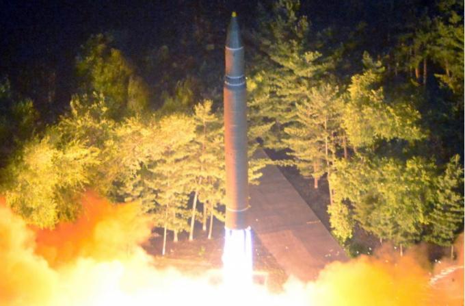 Tên lửa liên lục địa Triều Tiên (ICBM) rời bệ phóng hôm 28/7.