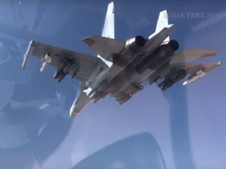 Chiến đấu cơ Su-35 Nga dội bom diệt xe vũ trang IS ở Syria.