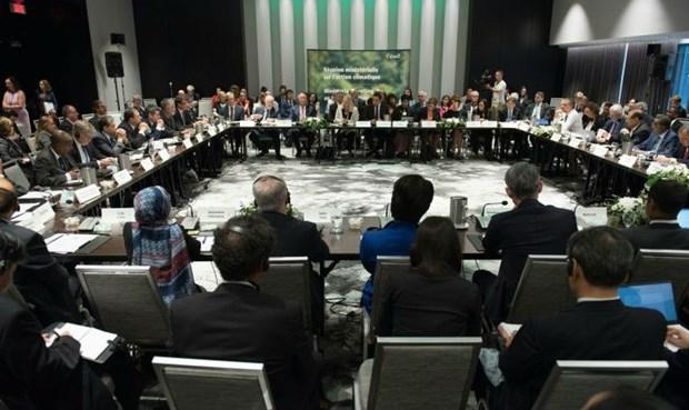 Đại diện các nước tham gia cuộc thảo luận tại Canada.