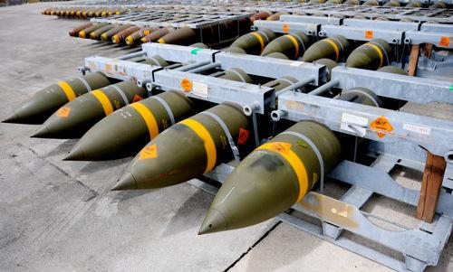 Các quả bom dự trữ tại căn cứ Andersen. Ảnh minh họa: USAF.