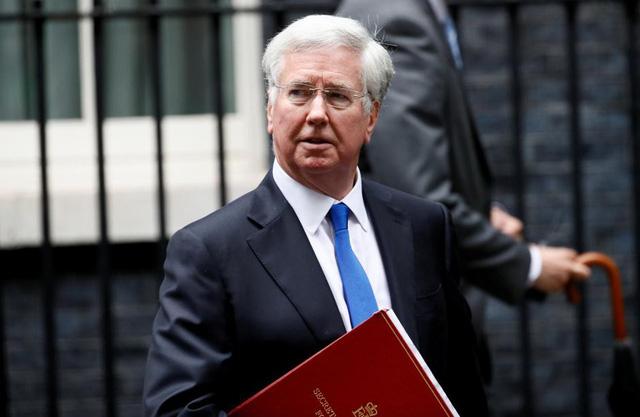 Bộ trưởng Quốc phòng Anh Michael Fallon. (Ảnh: Reuters)