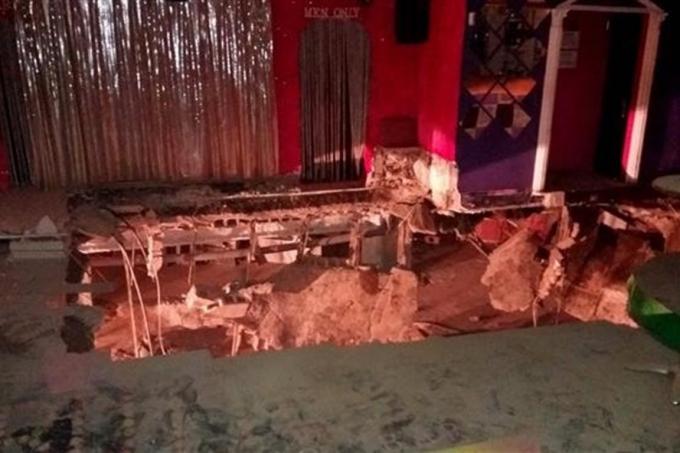 Sàn nhảy tại hộp đêm ở Tây Ban Nha bị sập. Ảnh: AFP