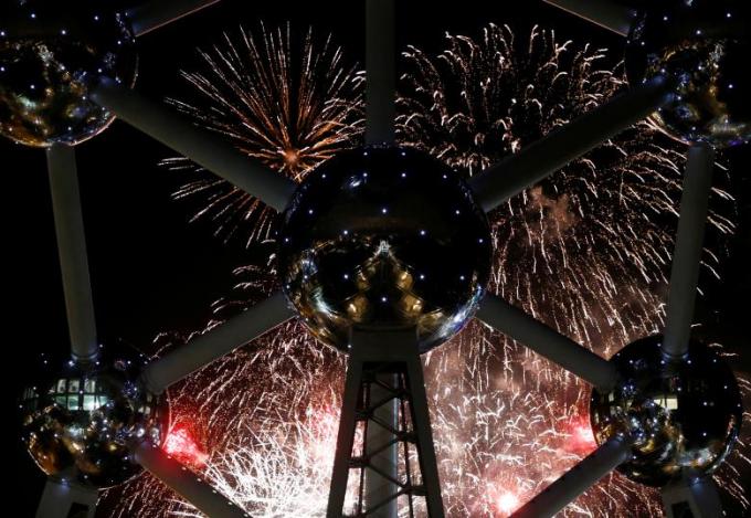 Thế giới tưng bừng chào đón năm mới 2018