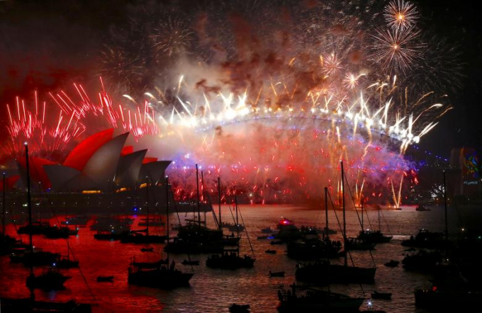 Pháo hoa tại bến cảng Sydney.