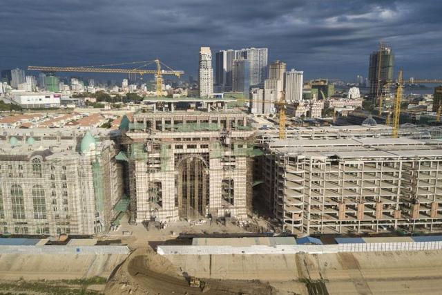Một dự án bất động sản ở Phnom Penh (Ảnh: NYTimes)