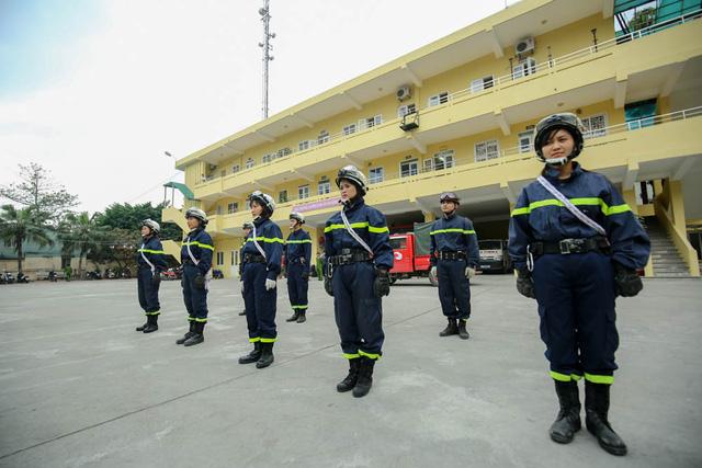 Đại úy Nguyễn Thị Ngọc Lan cho biết, chị đã từng hoàn thành khóa tập huấn về công tác chữa cháy, cứu nạn cứu hộ tại Hàn Quốc cùng 19 CBCS của Cảnh sát PCCC Hà Nội.