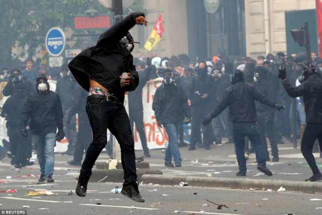 Biểu tình bạo lực nhân ngày Quốc tế Lao động ở Pháp