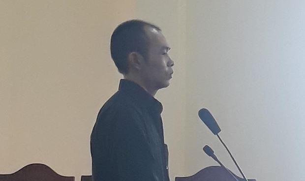 Tại phiên tòa, bị cáo Huy liên tục giữ im lặng.