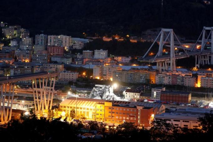 Cầu bị sập là cầu Morandi thuộc tuyến cao tốc A10 ở thành phố cảng Genoa, miền bắc Italy.