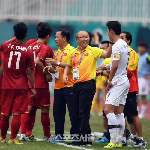 Báo Hàn Quốc vẫn khen Olympic Việt Nam dù thất bại trước Olympic Hàn Quốc