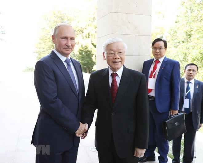 Tổng thống Nga Putin đón tiếp Tổng bí thư Nguyễn Phú Trọng. Ảnh:TTXVN.