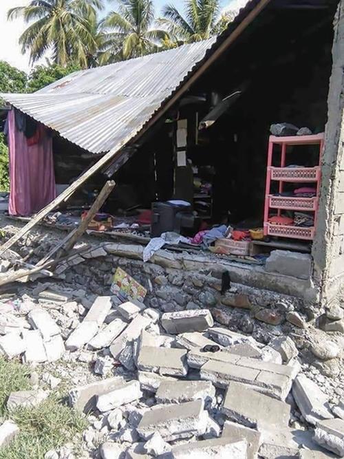 384 người thiệt mạng trong trận động đất, sóng thần kinh hoàng tại Indonesia