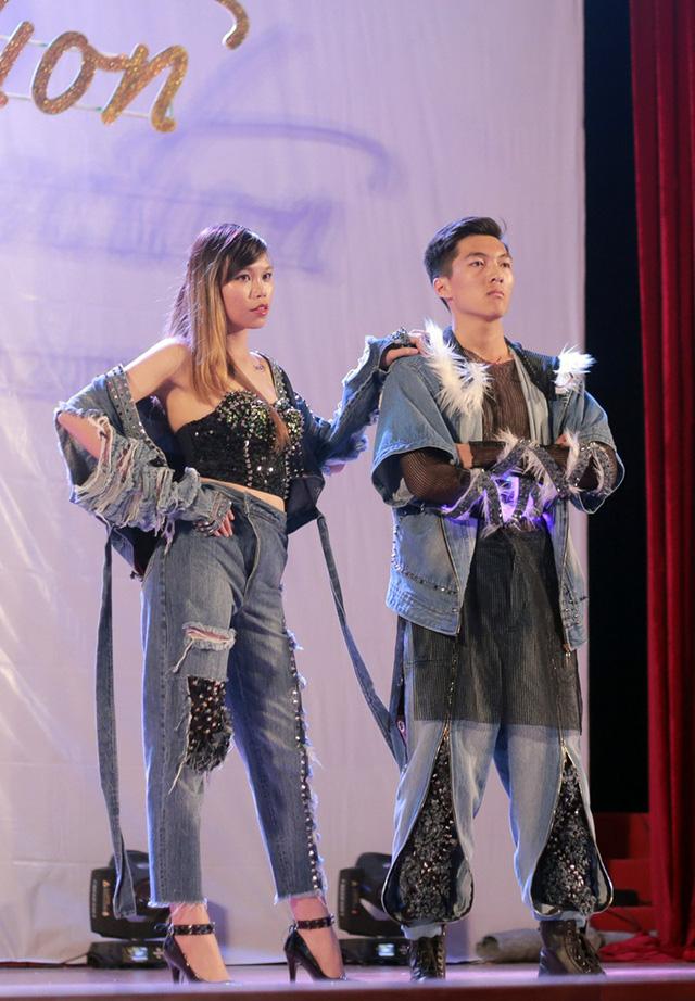 Những bộ trang phục khác trong bộ sưu tập YOLO