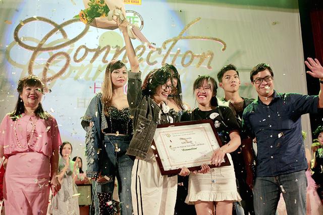 Niềm vui của các nhà thiết kế trẻ khi giành ngôi vị Quán quân