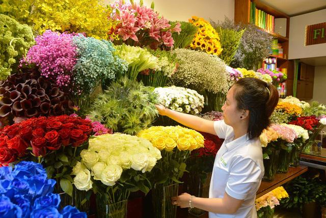"""Thị trường hoa tươi tại TPHCM sôi động với nhiều loại hoa """"độc""""."""