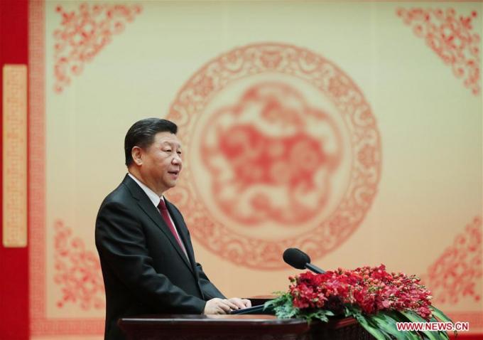 Chủ tịch Trung Quốc Tập Cận Bình chúc mừng năm mới đến toàn thể người dân.