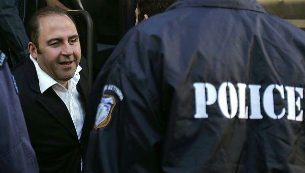 Tên Tony Mokbel đã bị đâm trong tù