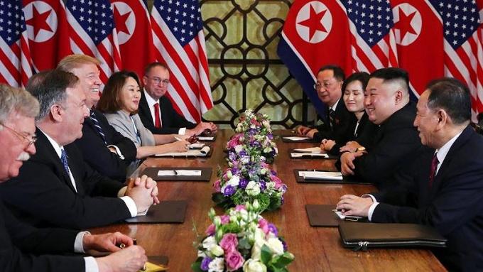 Phái đoàn Mỹ - Triều Tiên tại hội nghị thượng đỉnh tại Hà Nội.
