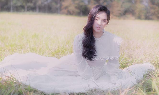 Ngất ngây với vẻ ngọt ngào của Hoa hậu Tiểu Vy sau nửa năm đăng quang