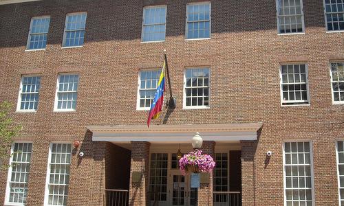 Đại sứ quán Venezuela tại Mỹ. Ảnh:AFP.