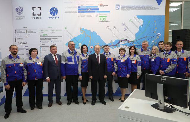Tổng thống Putin khai trương hai nhà máy điện mới tại bán đảo Crimea. (Ảnh: Reuters)