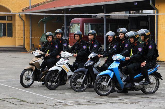 Trung tá Nguyễn Đình Đô, Tiểu đoàn trưởng tiểu đoàn CSCĐ số 1 (Trung đoàn CSCĐ Hà Nội) cho biết, đơn vị hiện có 3 đại đội tham gia tuần tra lưu động trên tất cả các tuyến đường được phân công, chia làm 3 ca gồm 7h – 11h, từ 11h – 15h, và từ từ 15h – 19h.