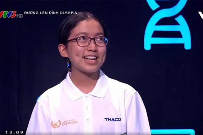 Thí sinh Huệ Anh - lớp 11A1 trường THPT Ea H'Leo tỉnh Đắk Lắk.