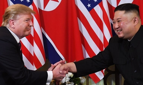 Tổng thống Mỹ Trump và Chủ tịch Triều Tiên Kim Jong-un tại thượng đỉnh lần 2 ở Hà Nội ngày 27/2. Ảnh:AFP.